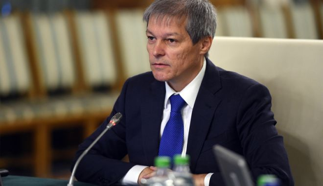 """Foto: Dacian Cioloș candidează la europarlamentare.  """"A fost o decizie dificilă"""""""