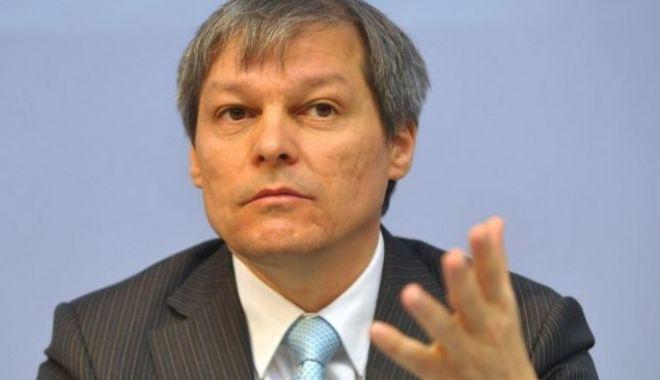 Foto: Cioloş, despre protestul diasporei:Ce-ar fi ca tot acest miting să se transforme într-un mesaj pe care diaspora îl adresează societăţii