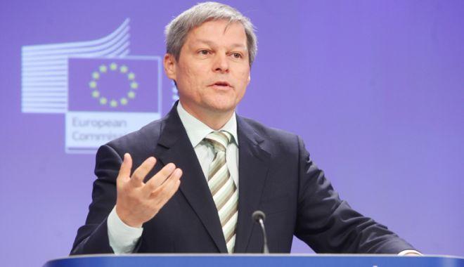 """Foto: Dacian Cioloș și-a făcut alt partid. """"Vrem să construim o Românie care să fie pe plus"""""""