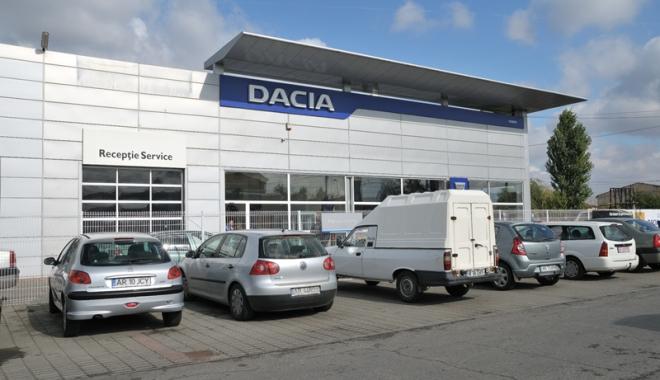 Foto: Service-urile Dacia-Renault, acuzaţii dure la adresa Asirom. Compania reziliază contractele cu asiguratorul