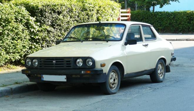"Foto: Dacia Sport, maşina studenţiei! Cum ""zbura"" Braşovia pe şoselele României"