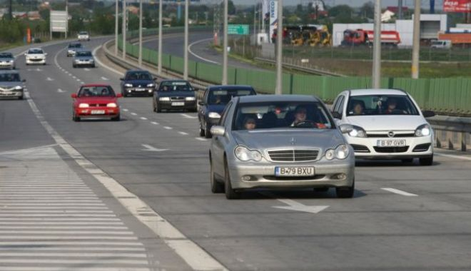 Probleme GRAVE pe Autostrada Soarelui. Se desprind plăcile de beton! - dalesoarelui-1528904207.jpg