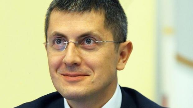 Foto: Dan Barna: USR va solicita ministrului Teodorovici să vină în Parlament pentru a da explicaţii privind prăbuşirea Bursei
