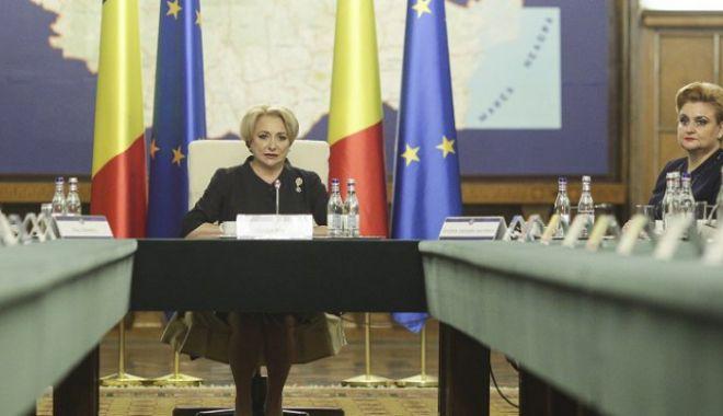 Foto: Şedinţă de Guvern pentru referendum, la ora 17.30