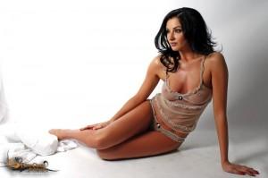 Imagini fierbinți cu cea mai sexy româncă - dania23-1322242618.jpg
