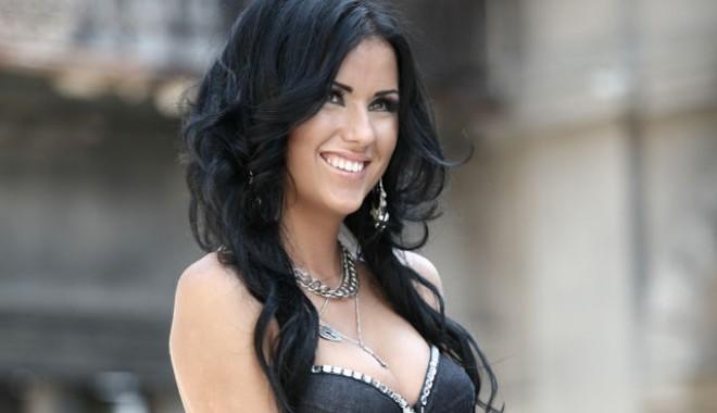 Daniela Crudu, părăsită de Nilă după un striptease - danielacruduvindetot41315005211-1348697709.jpg