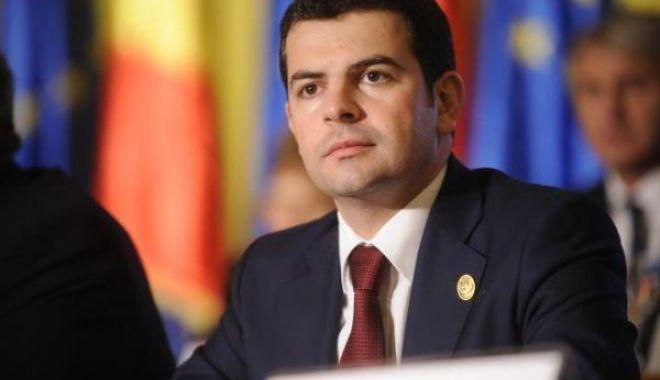 Foto: Deputatul Daniel Constantin anunță că șase parlamentari PRO România vor vota Guvernul Orban