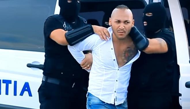 Foto: Scandalul manelistului Dani Mocanu. Fetele obligate să se prostitueze filmau în videoclipuri
