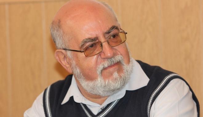 Foto: Preşedintele  Clubului Umoriştilor Constănţeni,  invitat la un workshop, la UMC