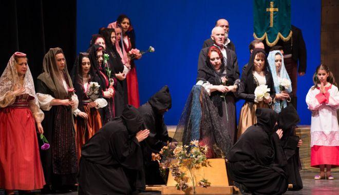 "Foto: Ultimul spectacol  al stagiunii lunii aprilie,  la Teatrul ""Oleg Danovski"""