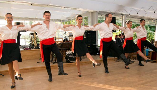 Foto: Ziua Internațională a Dansului, sărbătorită pe scena Casei de Cultură