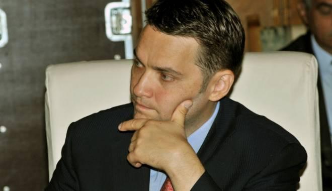 Foto: Mandatul de arestare pe numele lui Dan Şova a fost prelungit