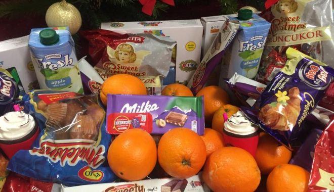 Foto: Primăria Constanța a început distribuirea darurilor pentru școlari și preșcolari