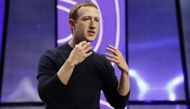 Foto: Excentric sau prevăzător? Obiceiul inedit al șefului Facebook!