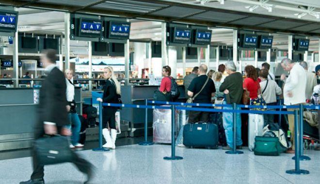 Foto: Turcia elimină vizele pentru cetățenii unor țări europene. Nu și pentru noi...