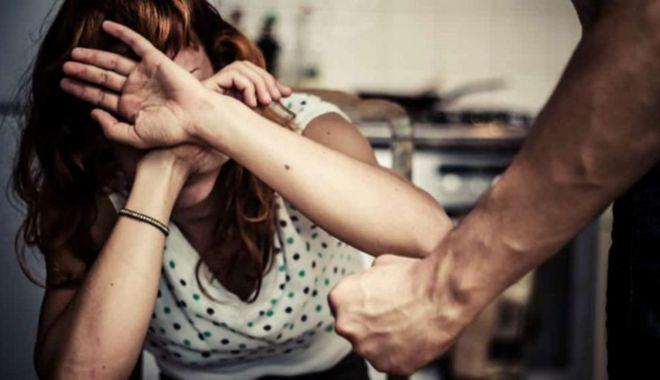 Foto: Violența în familie, sancționată cu dosar penal