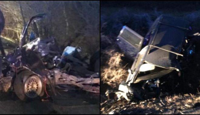 Foto: IMPACT DEVASTATOR! Mașini rupte în bucăți; trei morți