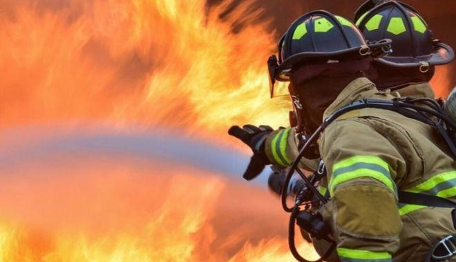 Foto: Pompierii, la datorie! Intervenție în Valu lui Traian