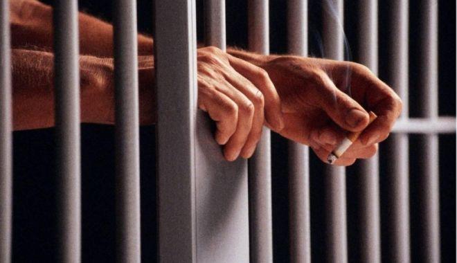 Foto: A jefuit un pensionar și s-a ales cu arest preventiv
