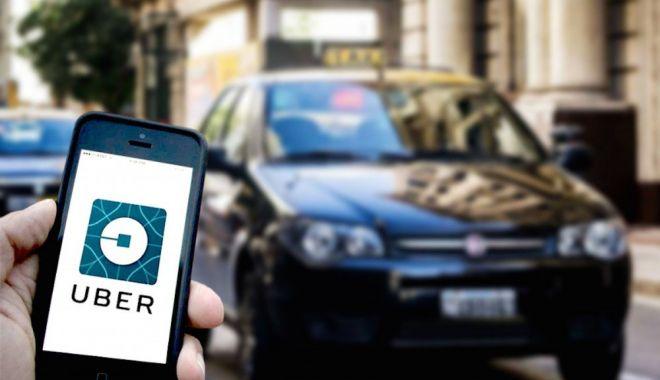 Foto: INEDIT: Ce mai uită românii în mașinile Uber