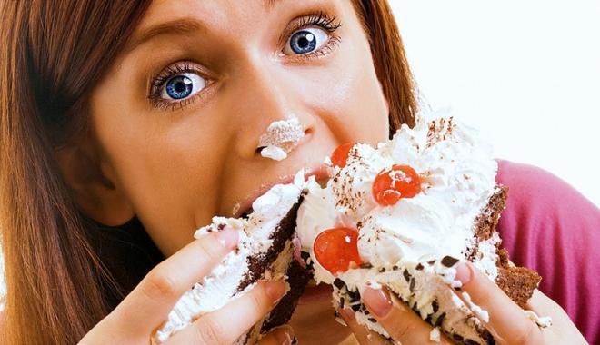 """Foto: """"Lipsa  de iubire duce  la dependenţa  de mâncare"""""""