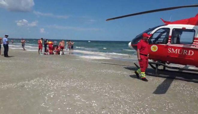 Foto: Tânăr înecat, la Costinești. Intervine elicopterul SMURD