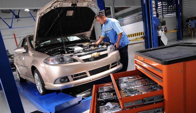 Foto: Deficit tot mai mare de forţă de muncă în sectorul auto