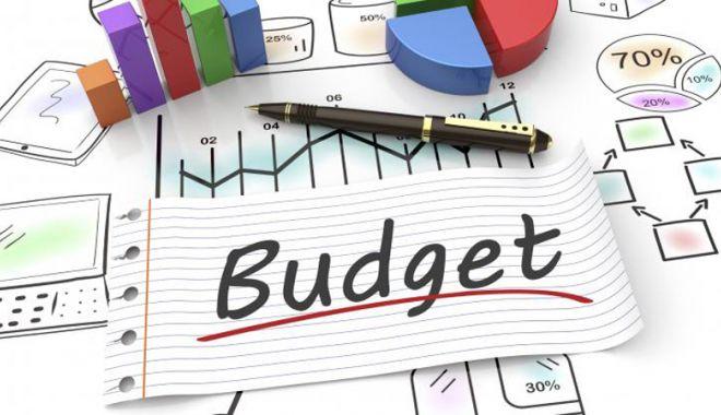 Foto: Deficitul  bugetului general consolidat a sărit  la 16,8 miliarde lei