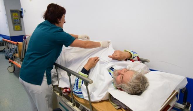 Foto: Degeraţii au umplut spitalul. Pacienţii sunt neasiguraţi şi blochează paturile pentru urgenţe