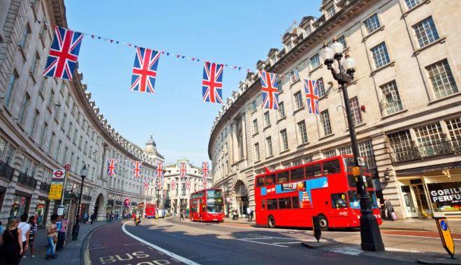 De la 1 octombrie, paşaportul devine obligatoriu pentru a călători în Regatul Unit - dela-1632668528.jpg