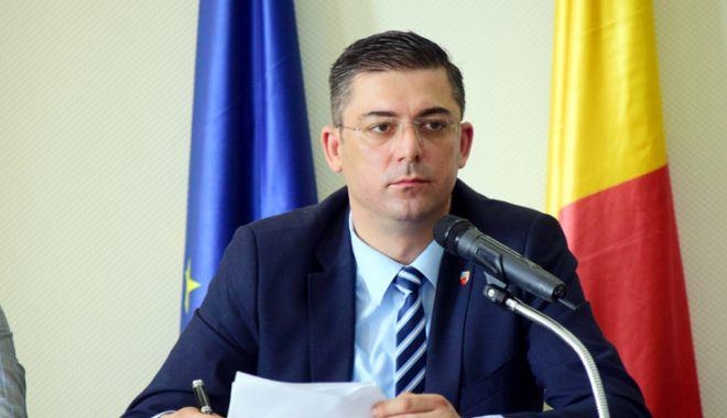 Foto: Aleșii județeni, convocați în ședință de președintele Țuțuianu