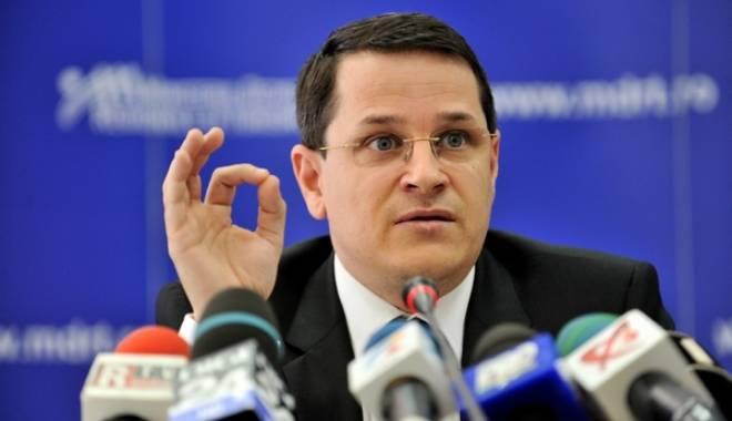"""Foto: """"Voi demisiona din PE şi din PNL imediat ce primesc mandatul de la SRI"""""""