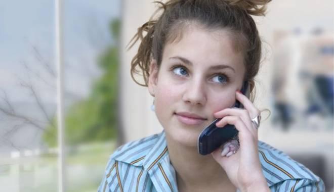 Foto: Demisia, acceptată şi prin telefon?