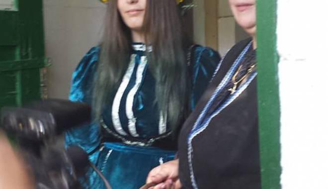 Minoritățile din Dobrogea. Obiceiurile și tradițiile de nuntă la aromâni - demonstratien1-1442941550.jpg