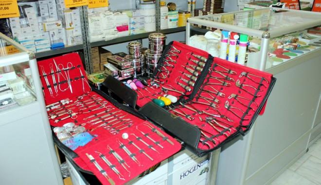 A început Denta & Pharma 2012! - dentapharma-1337784087.jpg