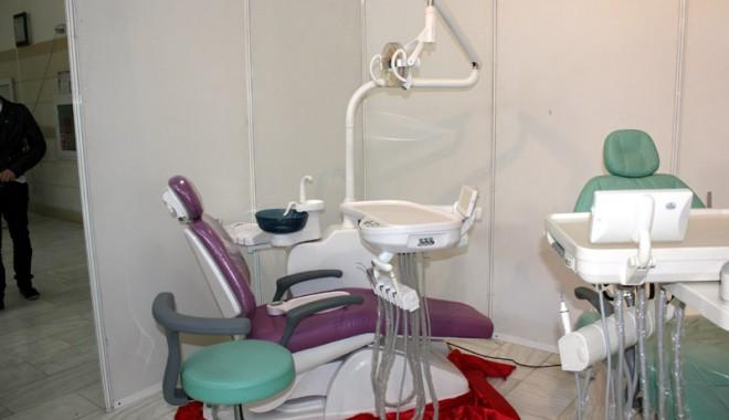 A început Denta & Pharma 2012! - dentapharma1-1337784045.jpg