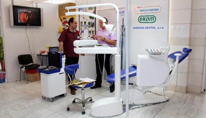 A început Denta & Pharma 2012! - dentapharma3-1337784031.jpg