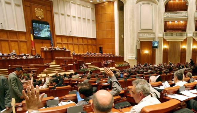 Foto: Deputaţii au eliminat prevederile  privind impozitarea bacşişului
