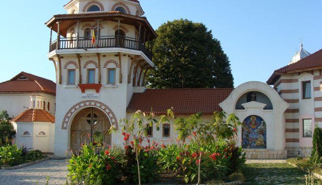 Foto: Excursie la mănăstirea Dervent,  oază de linişte şi vindecare sufletească