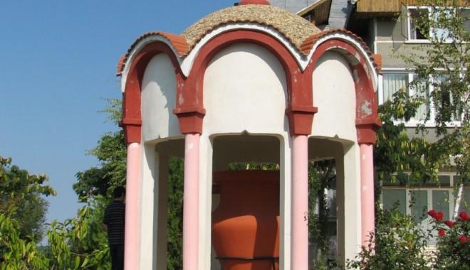 Foto: Turism religios la malul Mării Negre. Mânăstirea Dervent, un loc plin de energie