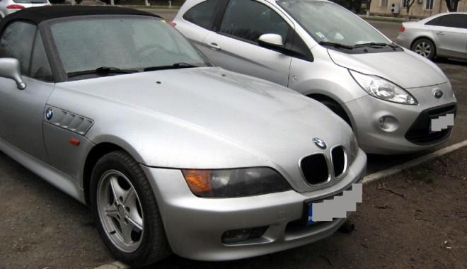 Foto: Descindere a Poliţiei în târgul auto de pe varianta Constanţei: maşini furate, confiscate!