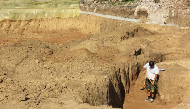 Morminte vechi de peste 1.700 de ani, descoperite în centrul Constanţei - descoperire15-1442423043.jpg