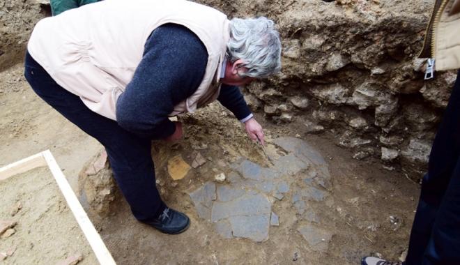 """Foto: Noi descoperiri arheologice, la Constanţa.  """"Deocamdată nu se ştie cărui tip de edificiu aparţin"""""""