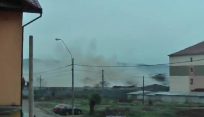 Foto: Un turn de apă a căzut peste gospodăriile câtorva localnici!