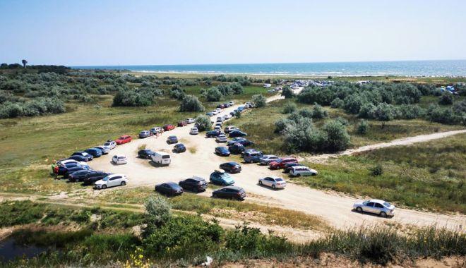 Foto: Dezastrul de pe plajele sălbatice de la Vadu și Corbu.