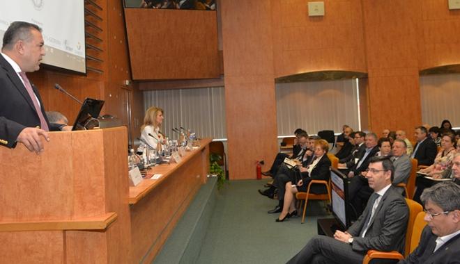 Foto: Dezbatere privind învăţământul profesional dual