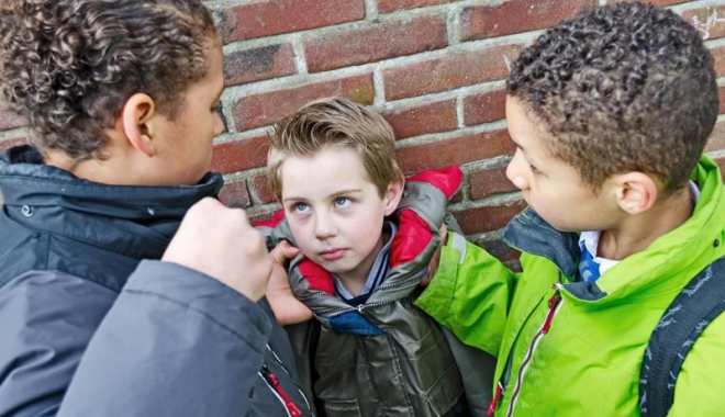 Controversa bullying. De la o simplă injurie, la arme şi moarte! - dezbatere1-1489930757.jpg