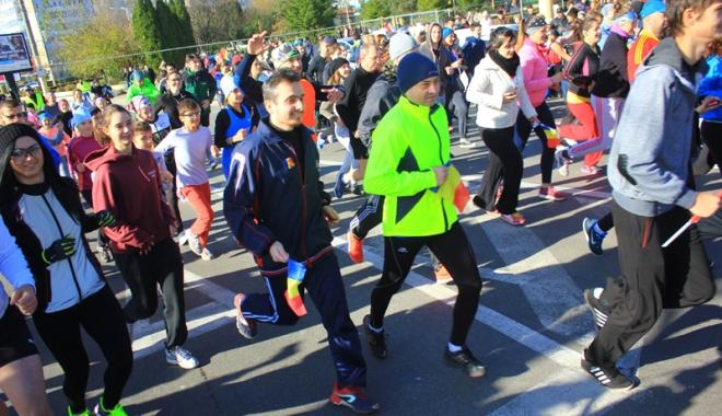 Foto: De Ziua Naţională, constănţenii ies la alergat!