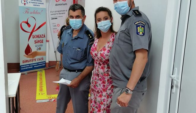 De ziua lor, polițiști de frontieră constănțeni donează sânge - deziualor-1627047178.jpg