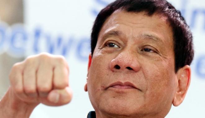 Foto: Preşedintele Filipinelor afirmă că el însuşi a executat presupuşi criminali